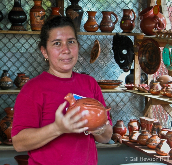 Chorotega tradition ceramacist, Santa Cruz, Costa Rica, 1998